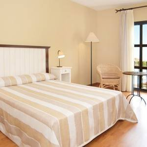 Triple room with swimming pool views Ilunion Mijas Hotel Mijas